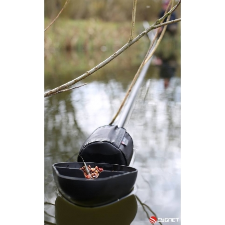 12 m Baiting Pole Cygnet